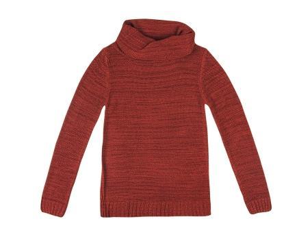 Assimetrias e maxi golas dominam os tricôs do Inverno Hering