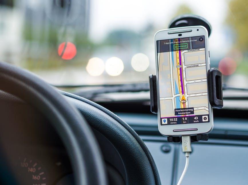 iDRIVER | o Buscapé dos aplicativos de táxi e motoristas particulares