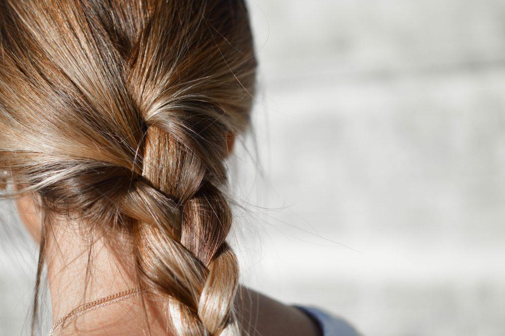 Os efeitos do sol nos cabelos